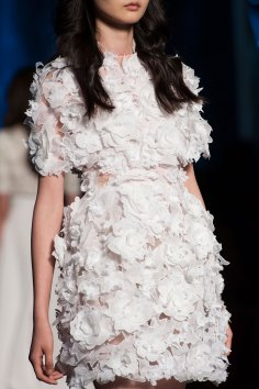 RALPH-and-RUSSO-close-ups-fall-2015-couture-the-impression-007