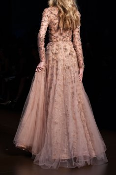 RALPH-and-RUSSO-close-ups-fall-2015-couture-the-impression-025
