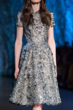 RALPH-and-RUSSO-close-ups-fall-2015-couture-the-impression-046