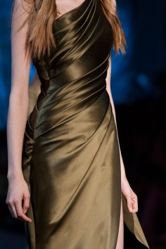 RALPH-and-RUSSO-close-ups-fall-2015-couture-the-impression-081