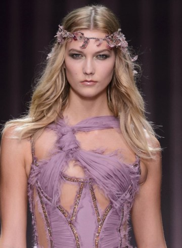 ATELIER VERSACE couture fashion show fall 2015 karlie kloss photo