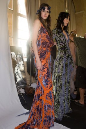 atelier-versace-backstage-fall-2015-couture-the-impression-033