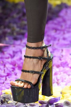 atelier-versace-close-ups-fall-2015-couture-the-impression-020