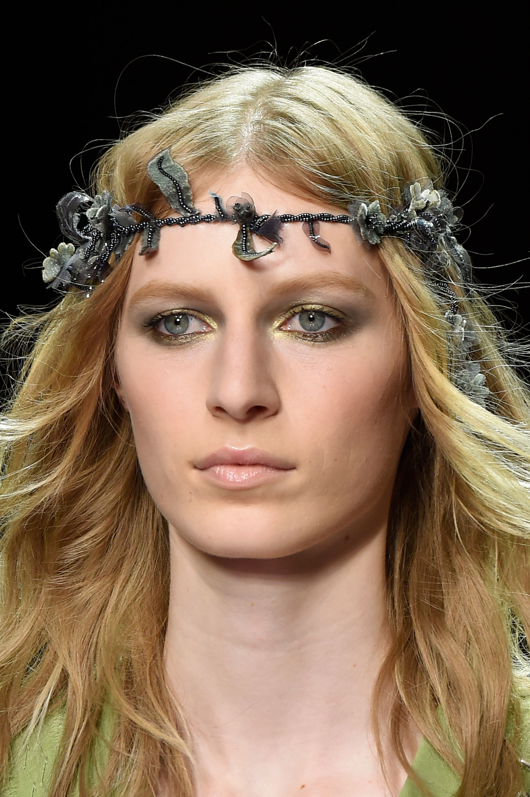 atelier-versace-close-ups-fall-2015-couture-the-impression-026