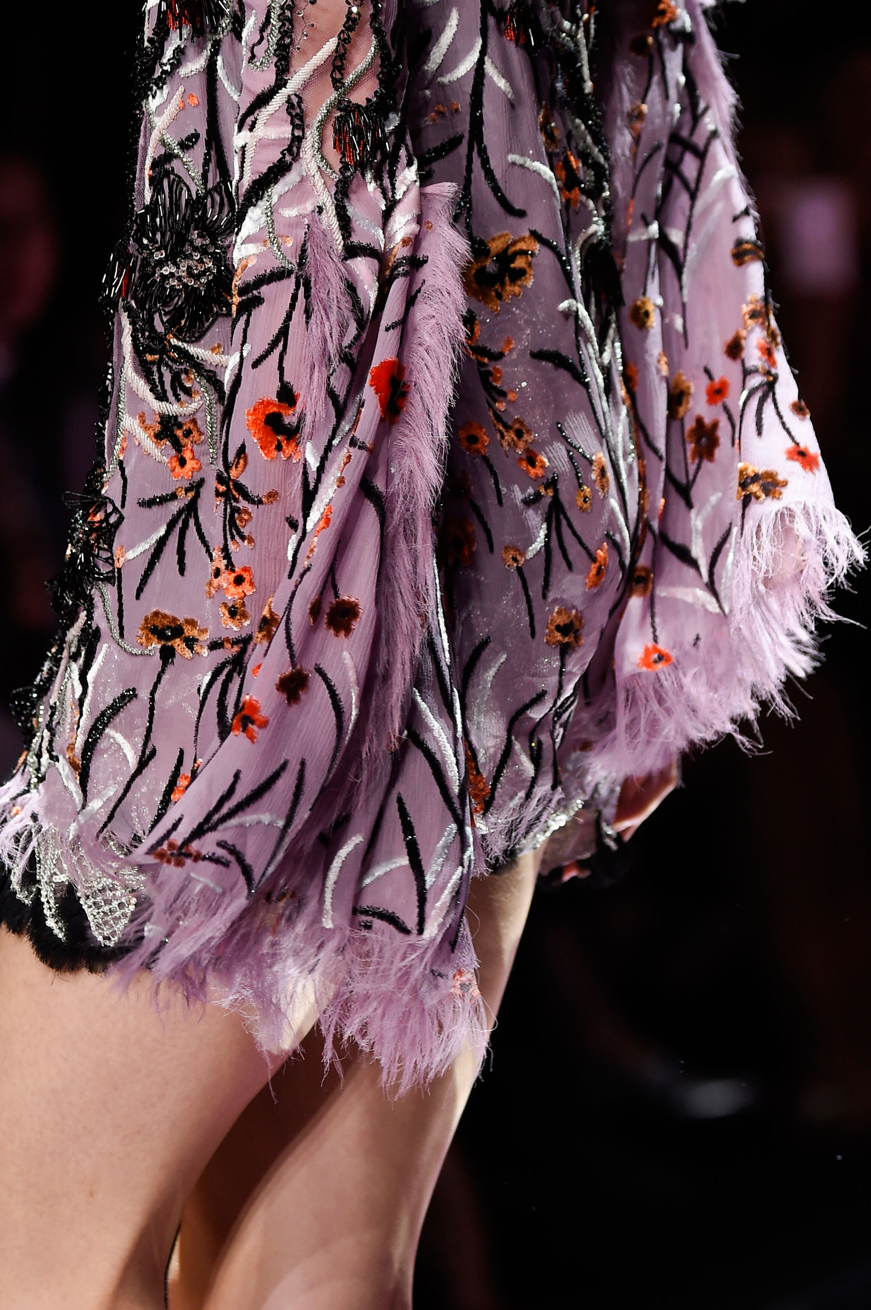 atelier-versace-close-ups-fall-2015-couture-the-impression-107