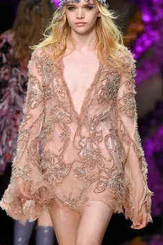 atelier-versace-close-ups-fall-2015-couture-the-impression-110