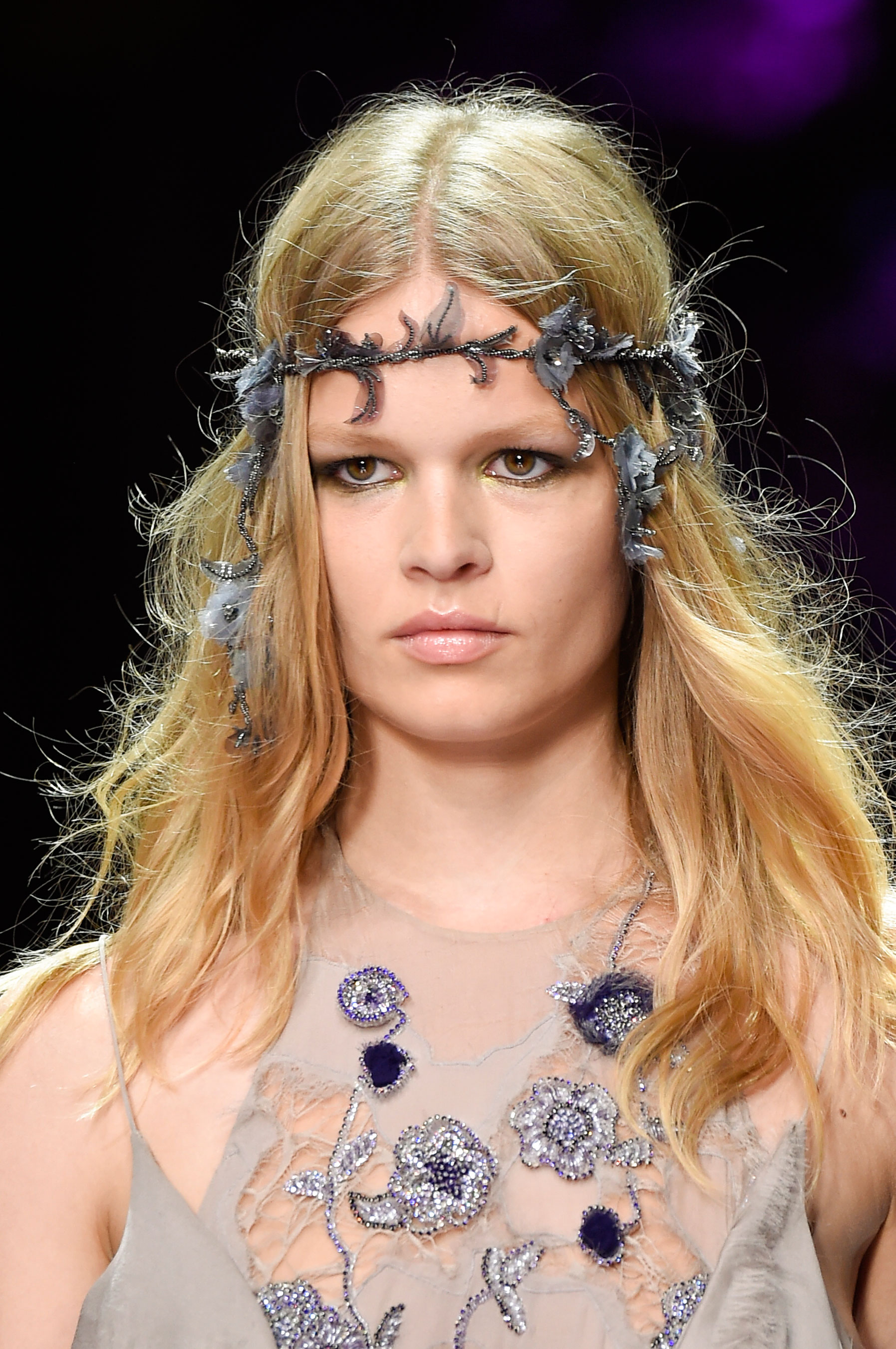 atelier-versace-close-ups-fall-2015-couture-the-impression-115