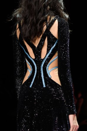 atelier-versace-close-ups-fall-2015-couture-the-impression-134