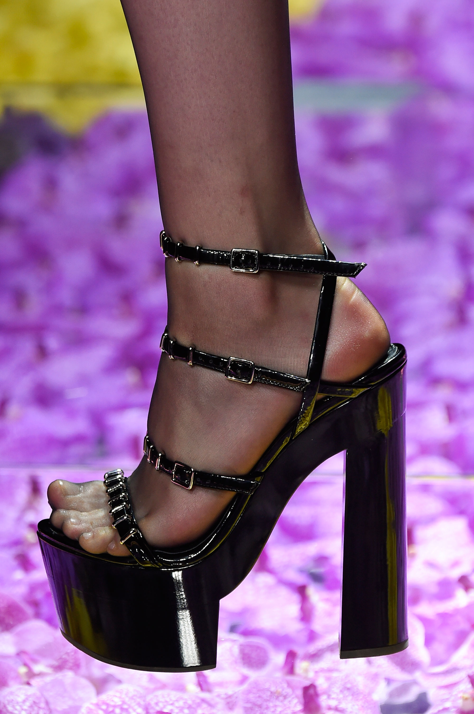 atelier-versace-close-ups-fall-2015-couture-the-impression-167