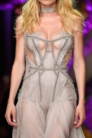atelier-versace-close-ups-fall-2015-couture-the-impression-210