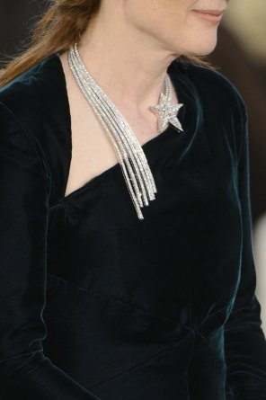 chanel-close-ups-fall-2015-couture-show-the-impression-024