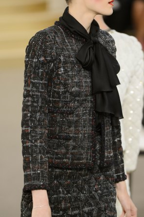 chanel-close-ups-fall-2015-couture-show-the-impression-047