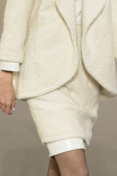chanel-close-ups-fall-2015-couture-show-the-impression-099