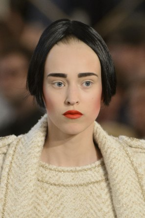chanel-close-ups-fall-2015-couture-show-the-impression-108