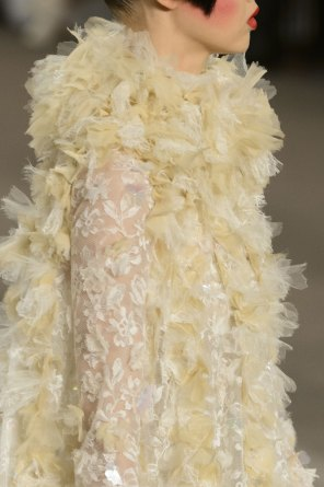 chanel-close-ups-fall-2015-couture-show-the-impression-172