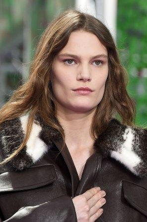 dior-close-ups-fall-2015-couture-the-impression-083
