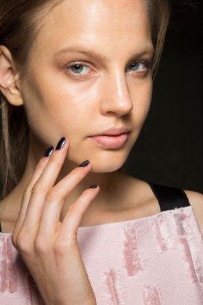 Amanda-wakeley-spring-2016-beauty-fashion-show-the-impression-19