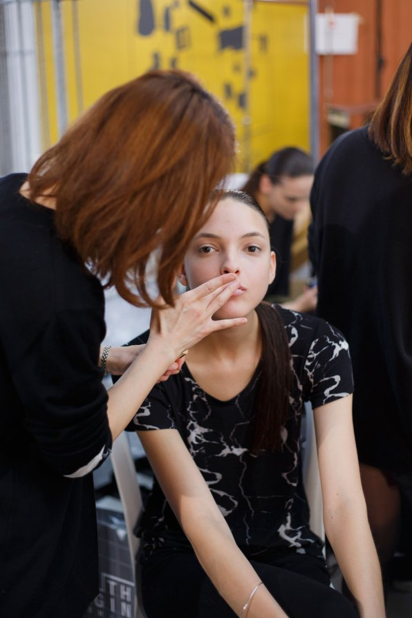 Anrealage-spring-2016-beauty-fashion-show-the-impression-11
