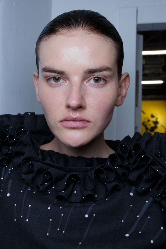 Anrealage-spring-2016-beauty-fashion-show-the-impression-42