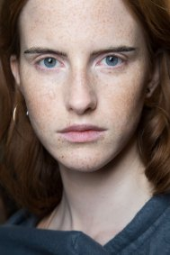 Cedric-Charlier-spring-2016-beauty-fashion-show-the-impression-07