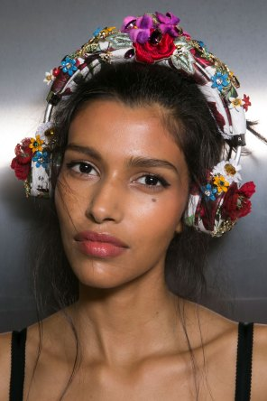 Dolce-and-Gabanna-backstage-beauty-spring-2016-fashion-show-the-impression-022