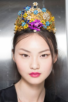 Dolce-and-Gabanna-backstage-beauty-spring-2016-fashion-show-the-impression-063