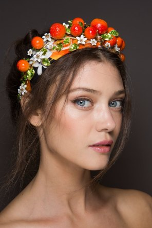 Dolce-and-Gabanna-backstage-beauty-spring-2016-fashion-show-the-impression-080