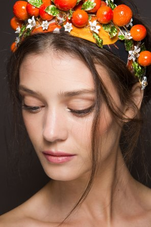Dolce-and-Gabanna-backstage-beauty-spring-2016-fashion-show-the-impression-086