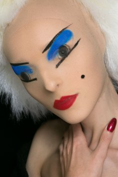 Gareth-Pugh-beauty-spring-2016-fashion-show-the-impression-078
