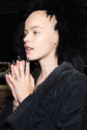 Gareth-Pugh-beauty-spring-2016-fashion-show-the-impression-150