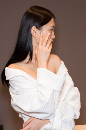 Gucci0-backsatge-beauty-spring-2016-fashion-show-the-impression-064