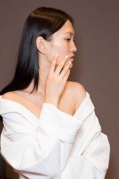 Gucci0-backsatge-beauty-spring-2016-fashion-show-the-impression-065