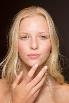 Gucci0-backsatge-beauty-spring-2016-fashion-show-the-impression-094