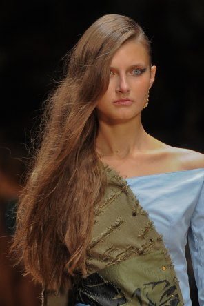 Guy-Laroche-spring-2016-runway-beauty-fashion-show-the-impression-03