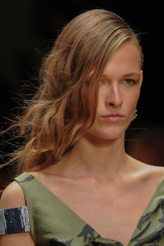 Guy-Laroche-spring-2016-runway-beauty-fashion-show-the-impression-06