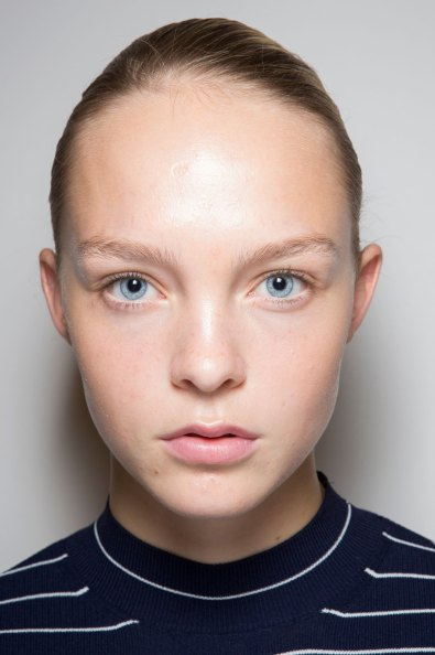 JW-Anderson-beauty-spring-2016-fashion-show-the-impression-046