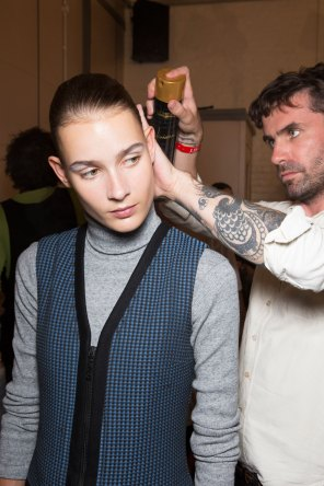 JW-Anderson-beauty-spring-2016-fashion-show-the-impression-053