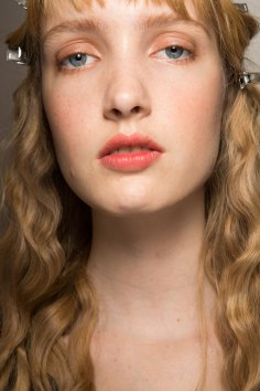 Lemaire-spring-2016-beauty-fashion-show-the-impression-22