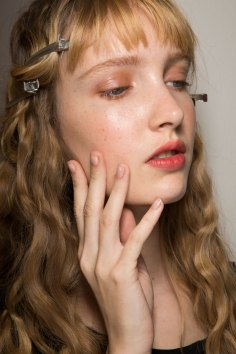 Lemaire-spring-2016-beauty-fashion-show-the-impression-25