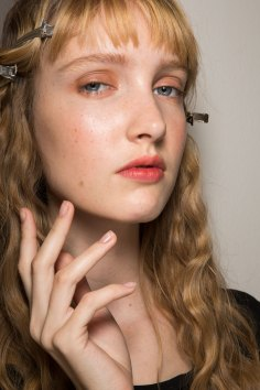 Lemaire-spring-2016-beauty-fashion-show-the-impression-27