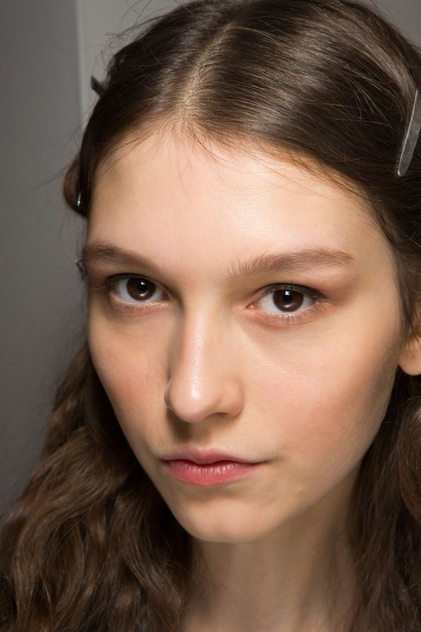 Lemaire-spring-2016-beauty-fashion-show-the-impression-35