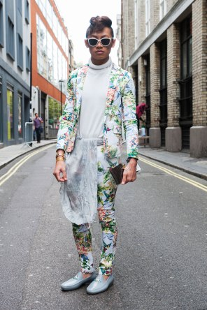 London-Fashion-Week-Street-Style-Day-1-spring-2016-the-impression-019