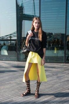 London-fashion-week-street-Style-Day-3-spring-2016-fashion-show-the-impression-001