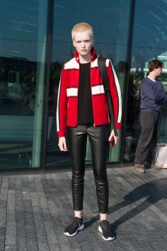 London-fashion-week-street-Style-Day-3-spring-2016-fashion-show-the-impression-005