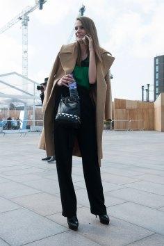 London-fashion-week-street-Style-Day-3-spring-2016-fashion-show-the-impression-020