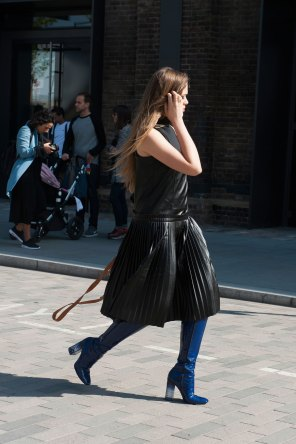 London-fashion-week-street-Style-Day-3-spring-2016-fashion-show-the-impression-051