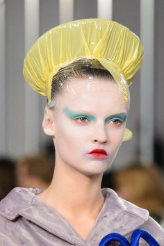 Maison-Margiela-spring-2016-runway-beauty-fashion-show-the-impression-026