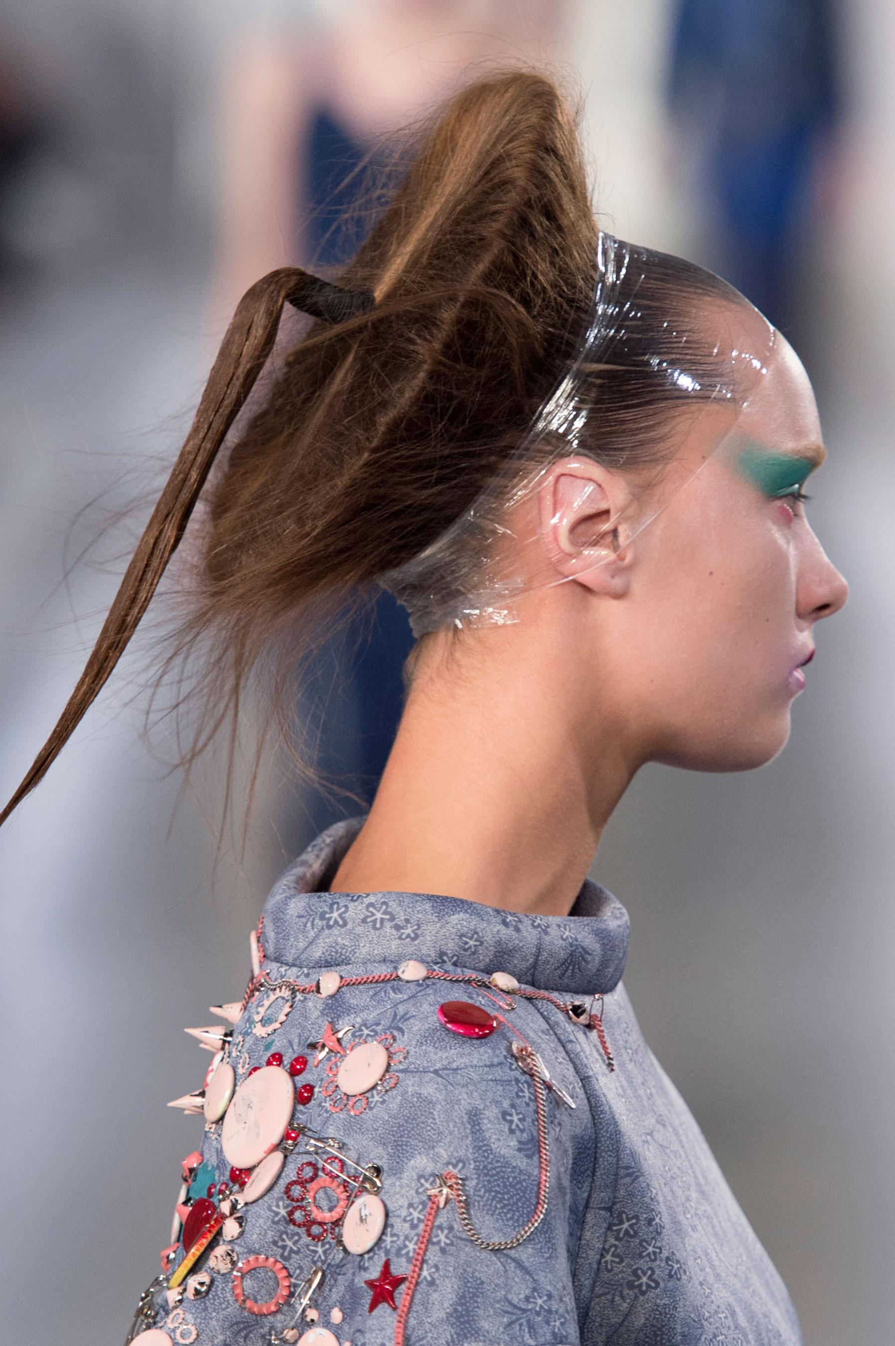 Maison-Margiela-spring-2016-runway-beauty-fashion-show-the-impression-053