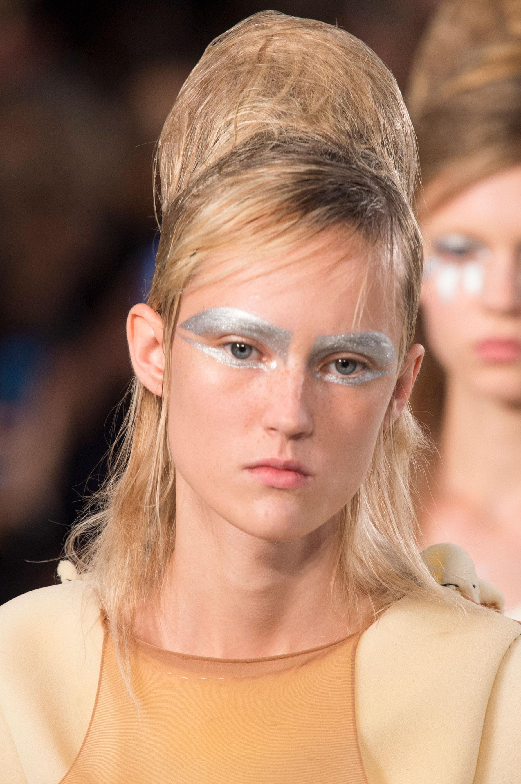 Maison-Margiela-spring-2016-runway-beauty-fashion-show-the-impression-068