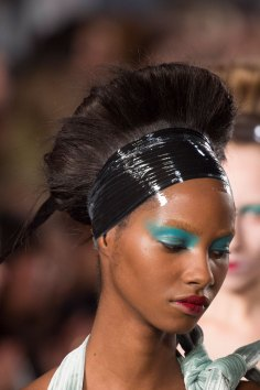 Maison-Margiela-spring-2016-runway-beauty-fashion-show-the-impression-090
